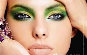 Smoldering Green and Yellow Eye Makeup